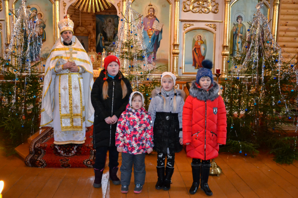 В Хиславичах отпраздновали Рождество Христово