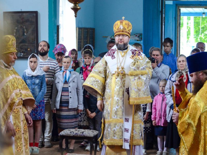 Великое освящение и Божественная литургия в храме Вознесения Господня села Мигновичи